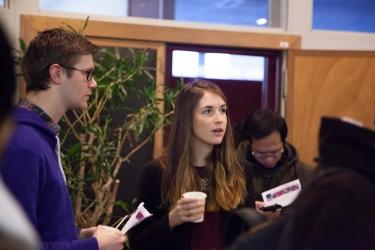Aruco.com en partenariat avec la Chaire RSOC (de gauche à droite) : Geoffray Sylvain, Chief Editor d'Aruco - Maud Guillerot, chargée de mission BI au sein de la Chaire RSOC