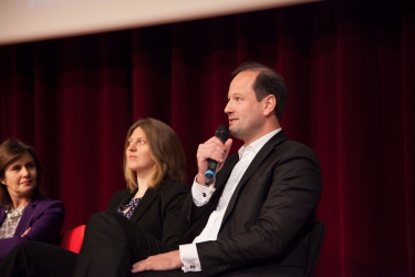 Le Groupe SEB en partenariat avec la Chaire (de gauche à droite) : Sarah Meskell, International Campus Manager - Xavier Boidevezi, Directeur Business Development & Digital (de gauche à droite)